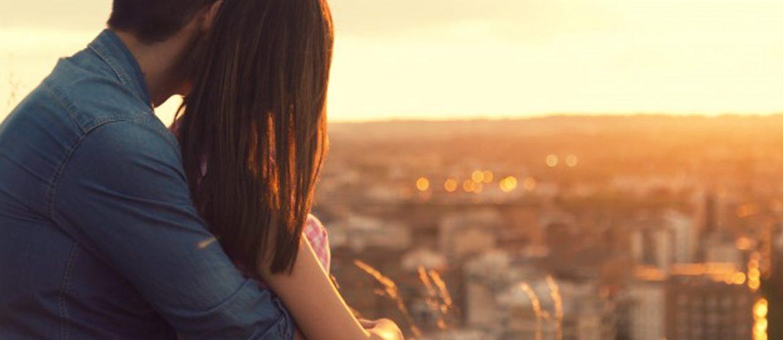 Presentes românticos fazem parte da rotina de casal apaixonado