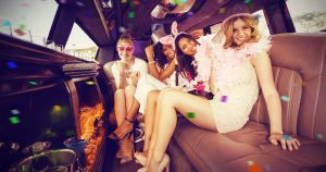 Despedida de solteira na limousine com amigas