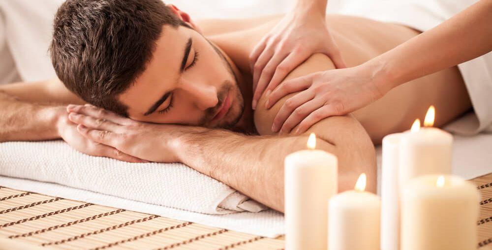 Massagem sensual em homem