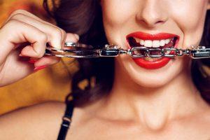 Jogo erótico - verdade ou consequência