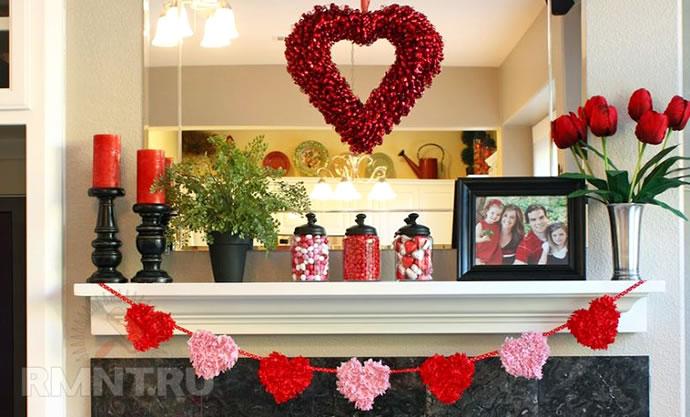 Decoração romântica: sala com decoração em rosa e vermelho