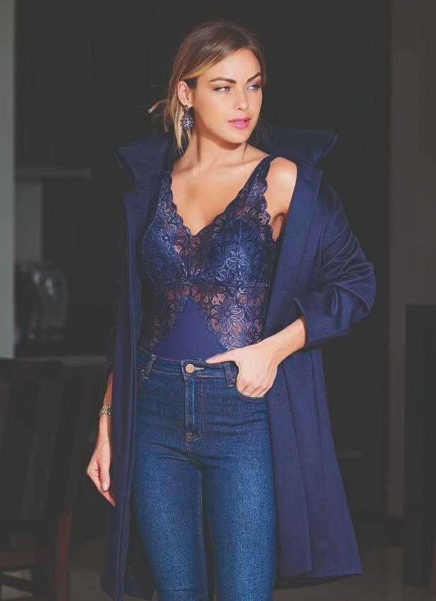 Mais sexy depois de ser mãe - body de renda azul