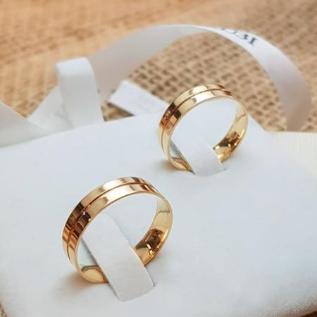 Aliança de casamento - grossas de ouro amarelo