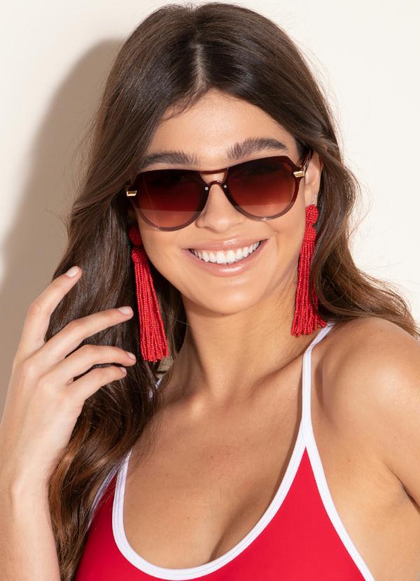 como combinar óculos de sol com biquíni - modelo aviador