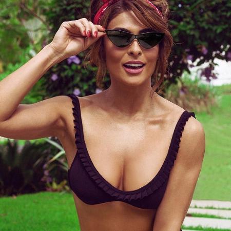 como combinar óculos de sol com biquíni - modelo gatinho
