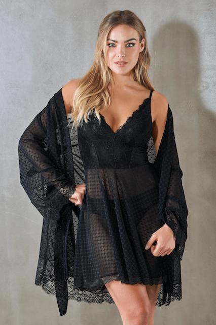 Camisola transparente para foto sensual