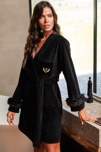 robe preto com pelinho e bordado